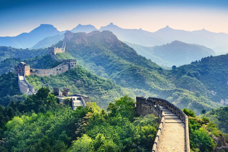 China-chinesische-mauer-shutterstock 439146580 in China trotzt Trump