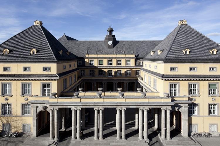Muenchener-rueck-hv in Munich Re: Wenige Großschäden – Ex-Vorstandschef von Bomhard wird neuer Aufsichtsratsvorsitzender bei der Deutschen Post