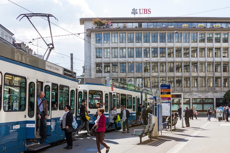 Ubs-zuerich-hauptsitz-shutterstock 719232517 in Überraschend guter Start für UBS