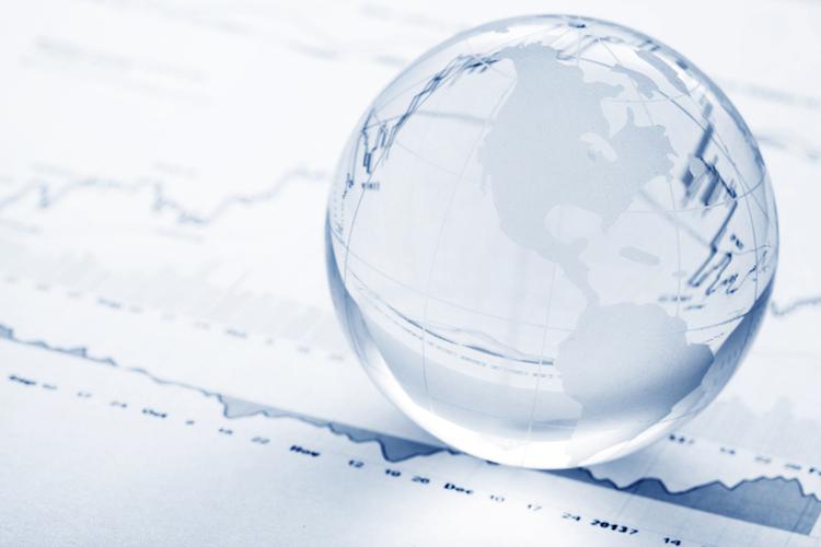 Welt-konjunktur-boerse-aktienmarkt-finanz-krise-wachstum-shutterstock 154612226 in Deutlicher Konjunkturabschwung in 2019