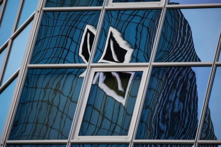 102490542 in Coronavirus: Deutsche Bank schränkt Dienstreisen ein