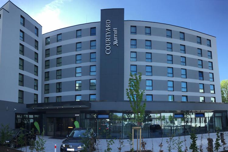 Au Enansicht-3 300dpi-1 in Dr. Peters erwirbt Marriott-Hotel bei Oberpfaffenhofen