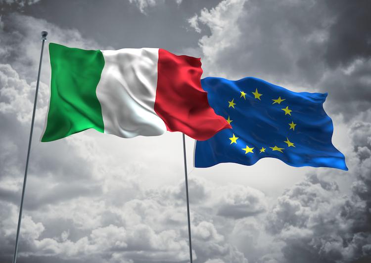 Italienflagge in Finanzmärkte können Italien zum Rückzug zwingen