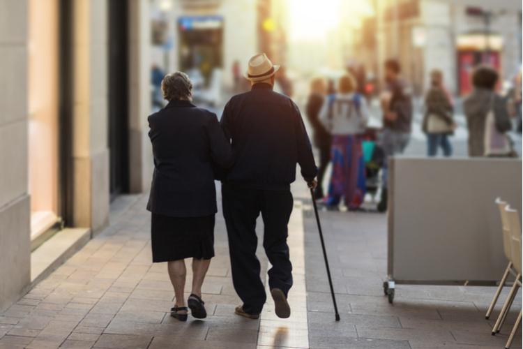 Rentner in Stichtag 1. Juli: Warum die Rentenerhöhung neue Steuerzahler bringt