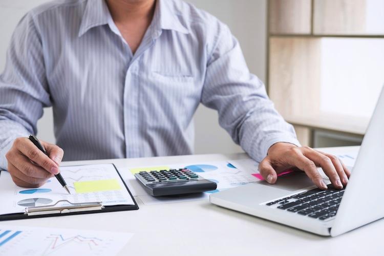 Shutterstock 1096733717 in Noch viele Barrieren bei der digitalen Vermögensverwaltung