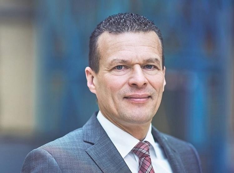 Foto Oliver Schmitt CFO Instone Copyright Tino Pohlmann-Kopie in Instone Real Estate wird deutsche AG