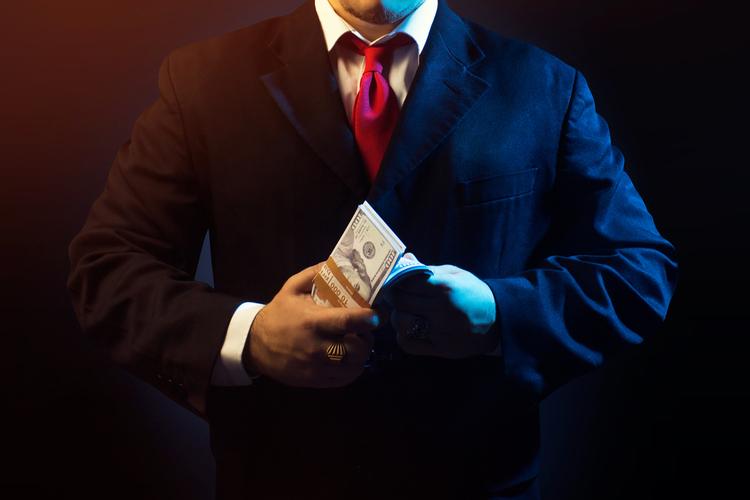Mafia-Geldwäsche im Immobiliensektor – Gewaltiger Eisberg