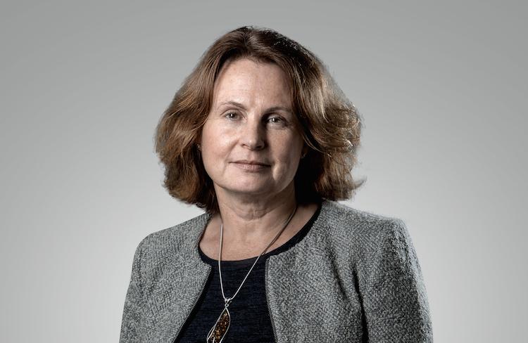 Sandra-Holdsworth-Kopie in Fed-Zinssenkung: Von Bargeld zu anderen Vermögenswerten wechseln