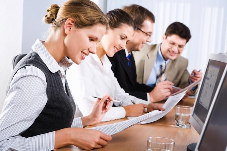 Ausbildung-fortbildung-sachkunde-berater-shutterstock 6525550 in Über 21.000 Investment-Fachleute weltweit bestehen CFA Program