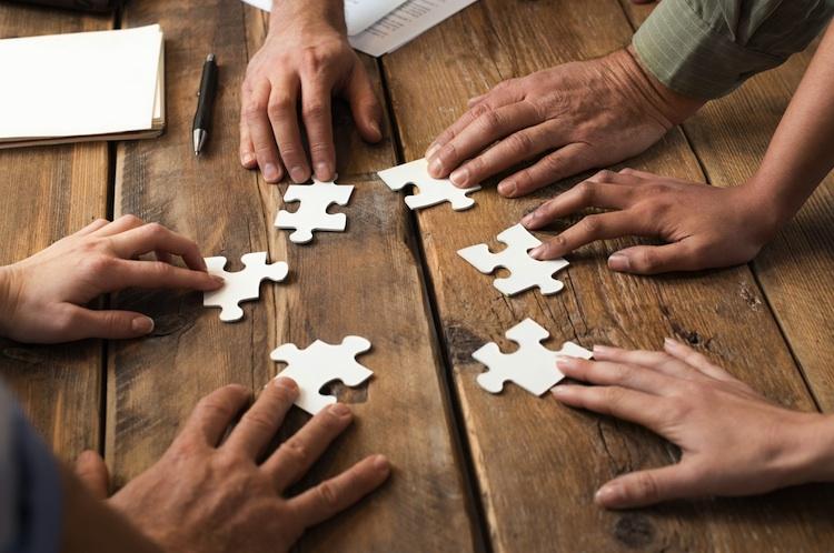 Fusion Shutterstock 261293111-1-Kopie-1 in Smart Insurtech ordnet sich gesellschaftsrechtlich neu
