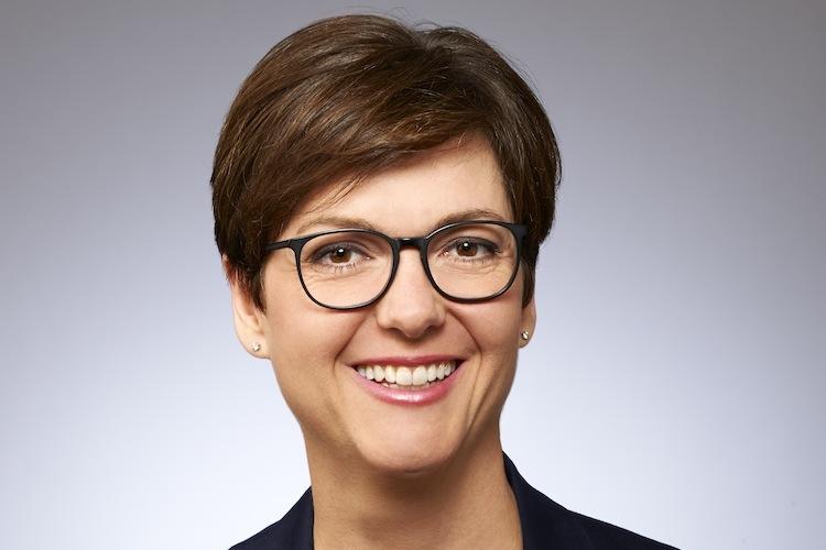 Heinisch Beate in Axa schafft neues Vorstandsressort für Kundenmanagement