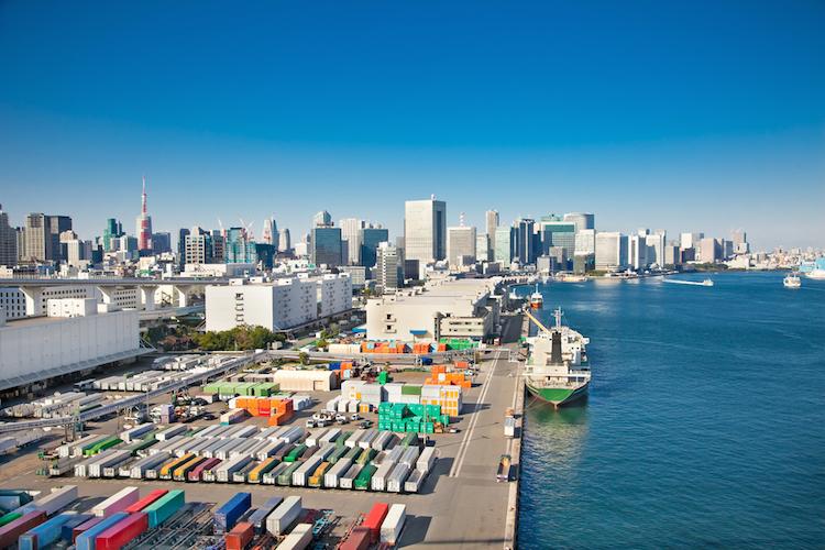 Handel-container-tokyo-japan-shibaura-werft-shutterstock 228516973 in P&R: 80.000 Anleger-Forderungen geprüft und festgestellt