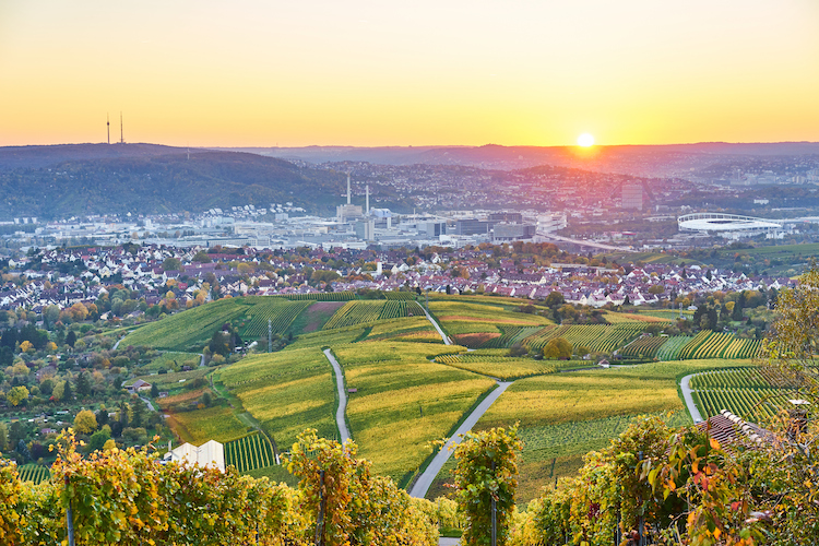 Shutterstock 765709876 in Instone Real Estate plant Projekt in der Metropolregion Stuttgart