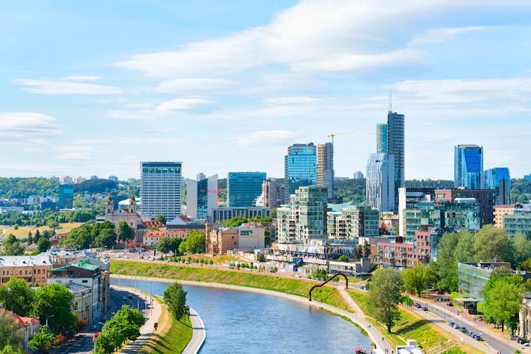 Vilnius-litauen-skyline-shutterstock 1029584302 in Acht EU-Staaten fordern Kapitalmarktunion