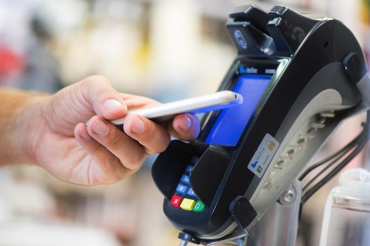 107186796 in Genossenschaftsbanken starten mobiles Bezahlen per Smartphone