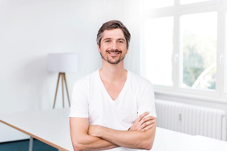 Friendsurance Tim Kunde Management-Portrait AK0 1183 Web in Deutsche zeigen hohes Interesse an digitaler Bancassurance