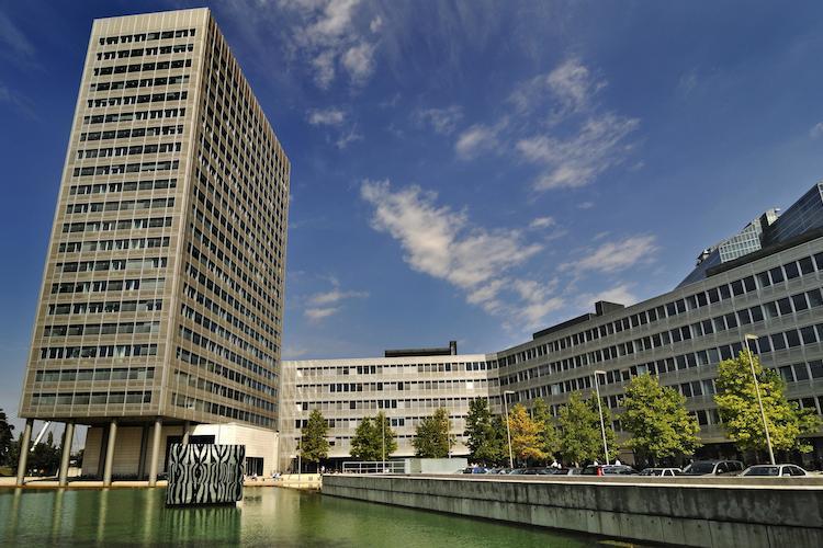 Munich Re mit überraschend hohen Großschäden - Gewinnziel steht weiter