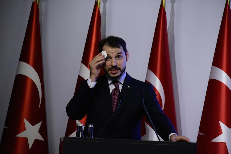 Albayrak-tuerkei-finanzminister-1-107632215 in Krise in der Türkei belastet asiatische Finanzmärkte