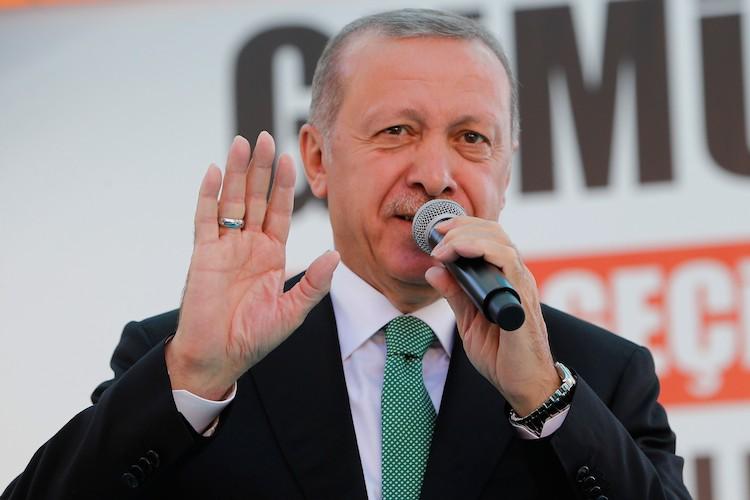 Erdogan-turkei-turkey-tuerkei-107620037 in Krise in der Türkei: Das sagen die Fondsmanager