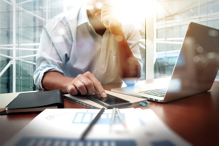 Shutterstock 310959899 in Firmenkunden erwarten digitale Lösungen