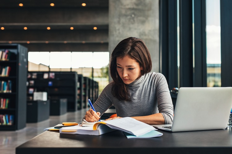 Shutterstock 516640027-1 in Job während des Studiums: Das ist zu beachten
