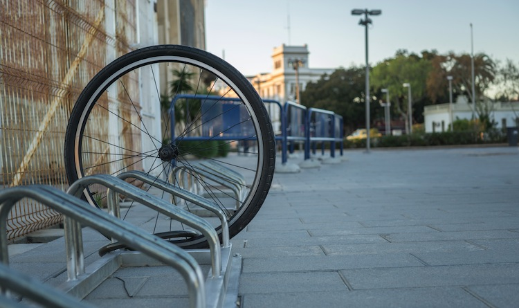 Shutterstock 593344727 in Fahrrad geklaut: Tipps für Geschädigte