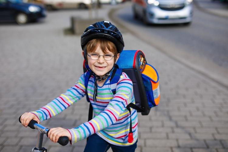 Shutterstock 623627312 in Schule hat begonnen: Welche Versicherung Pflicht ist