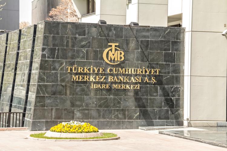 Tuerkei-zentralbank-turkei-shutterstock 1032320707 in Türkische Notenbank begrenzt Liquidität