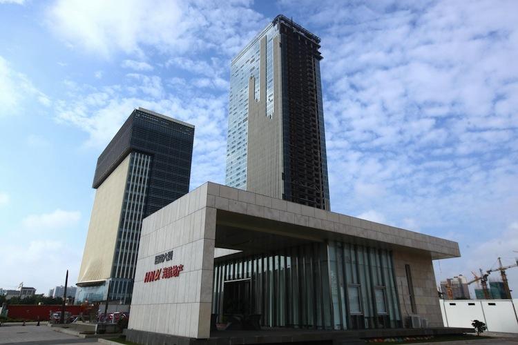 100663777 in Kreise: HNA plant Ausstieg bei Deutscher Bank