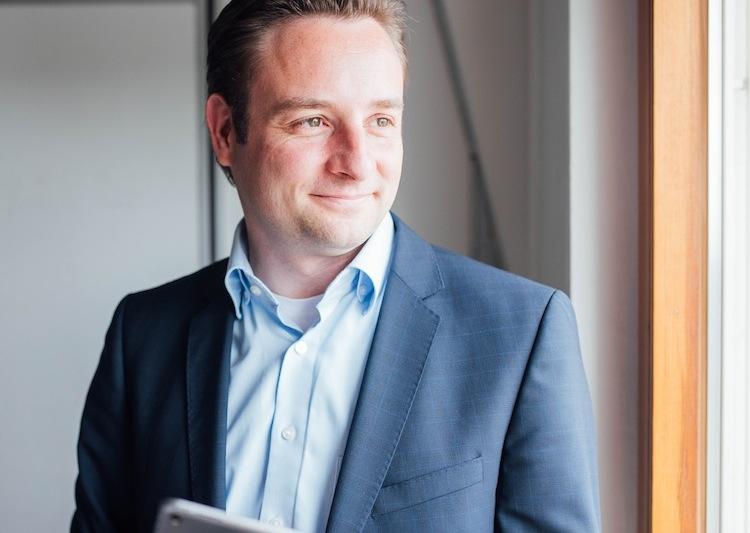 Oliver Kuhnle Presse in Adam Riese bringt Haftpflichtversicherung für Hundehalter
