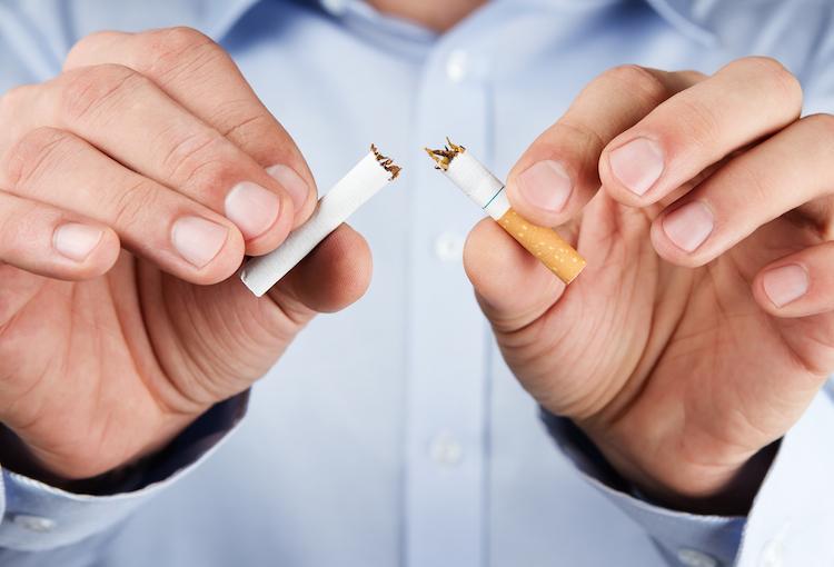 Rauchen in Rauchen und Fettleibigkeit als Killer Nr. 1 von Lebensjahren