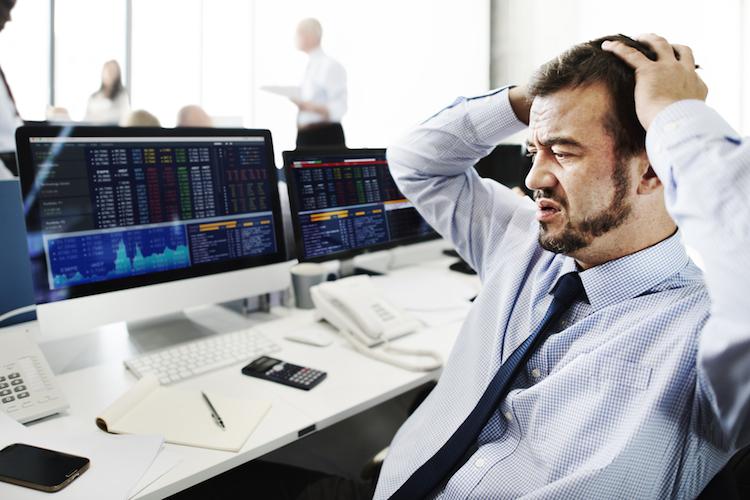 Finanz-banker-krise-angst-stress-shutterstock 405430885 in Gewappnet für die nächste Krise?