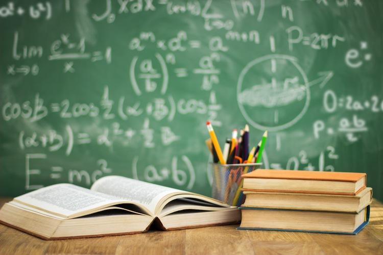 Shutterstock 213333985 in Ausbildung, Studium, Arbeitslosigkeit: Wie Schulabgänger versichert werden