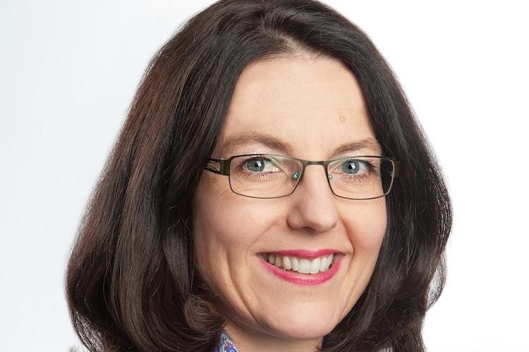 Dr-Katharina-Hohn Farbig in Mehr als eine Million Stunden Bildungszeit im dritten Quartal
