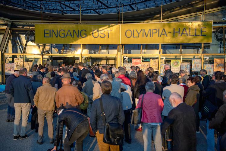 P&R–Insolvenz: Über 4.500 Gläubiger in Münchner Olympiahalle