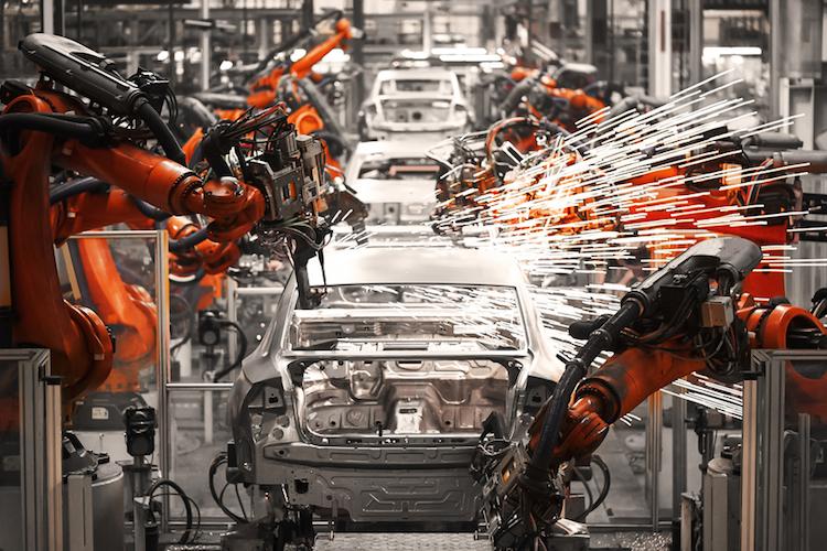 Produktionsstraße, in der Autos hergestellt werden.