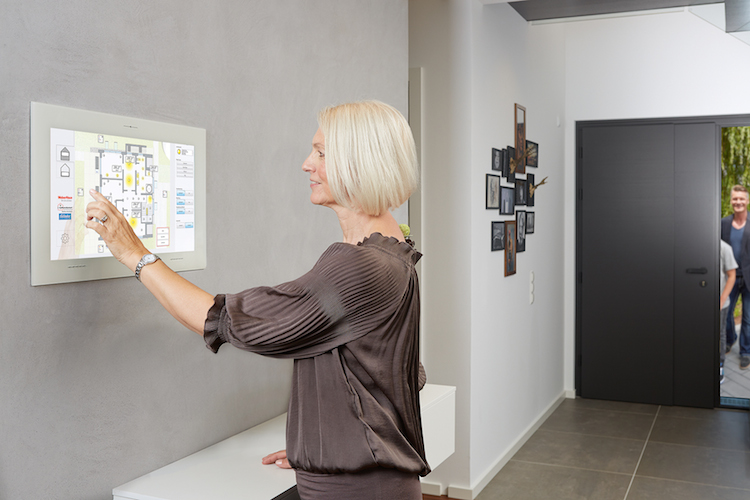 Bhw Pressedienst 6247 in Smart Home: Auch die Generation 50plus profitiert