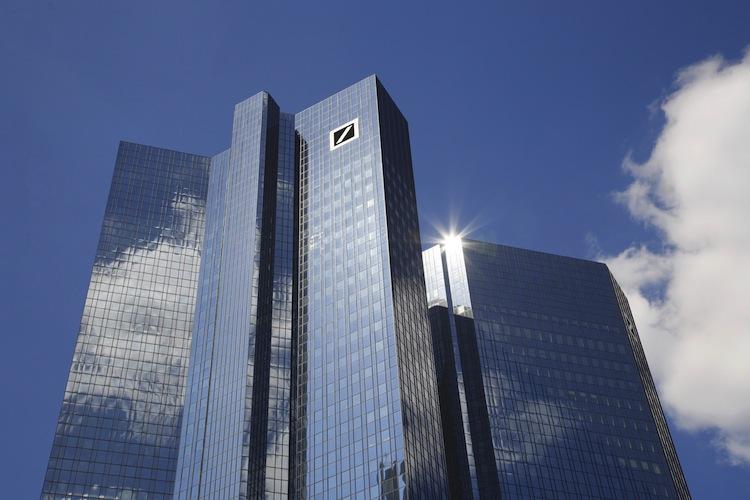 Deutsche Bank: Diskutiert Vorstand Milliarden-Kapitalerhöhung?