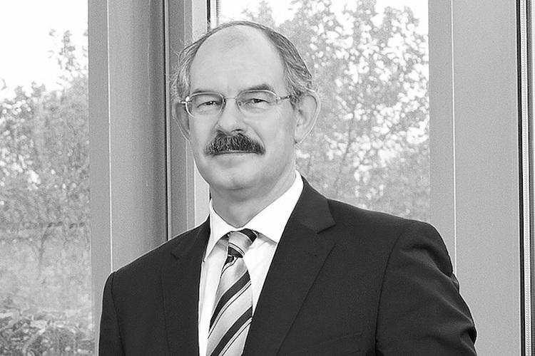 2017-Hannover-Re-Ju Rgen-Gra Ber-Vorstand-780-1 in Hannover Rück trauert um Vorstandsmitglied Jürgen Gräber