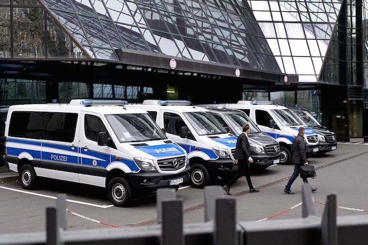 Deutsche Bank: Razzia fortgesetzt - Aktie unter Druck