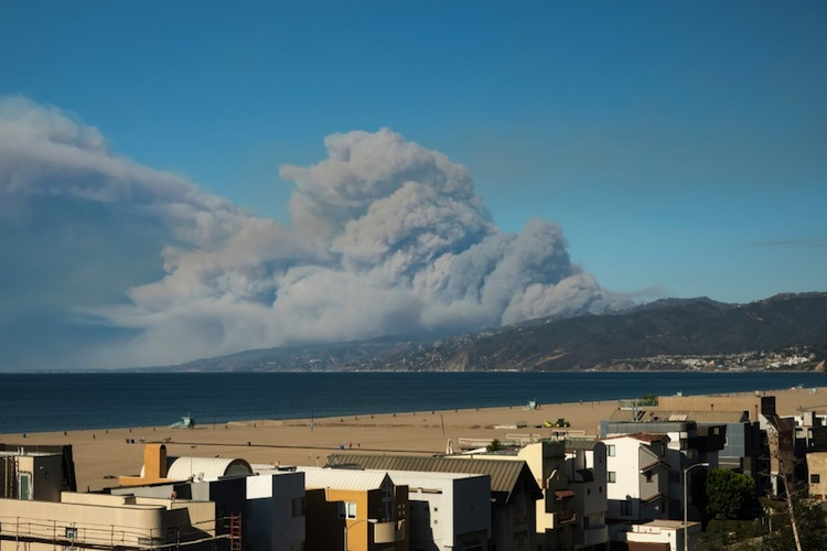 Feuer-kalifornien-november-2018-shutterstock 1226390017-Kopie in Brände zerstören Teile Kaliforniens - auch Thomas Gottschalks Haus betroffen
