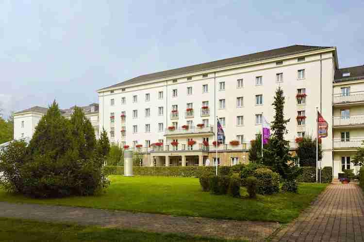 H-hotels Aussenansicht-01-hplus-hotel-friedrichroda Original-kommerz -Nutzung- 1265734-k in DFV Deutsche Fondsvermögen kauft drei weitere Hotels