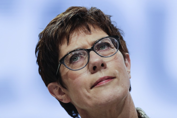 113335538 in Kramp-Karrenbauer neue CDU-Chefin