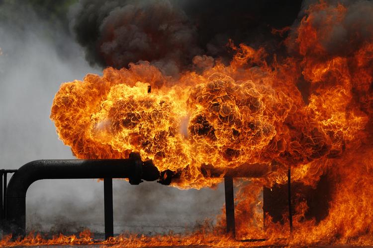 Feuer, Stürme, Explosionen - die Risiken der Industrie