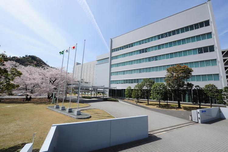 Nichia HQ 300dpi in LED-Hersteller aus Japan steigt bei Deutsche Lichtmiete ein