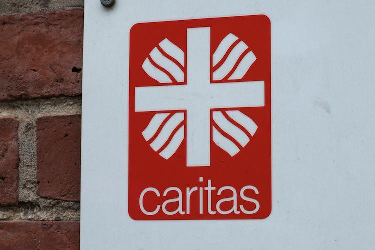 Shutterstock 766631212 Caritas in Nach Pensionkassen-Pleite: Caritas setzt bei bAV auf R+V