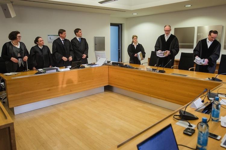 116071082 in Gericht prüft Zulässigkeit von erster Musterfeststellungsklage