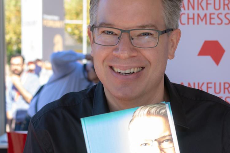 Frank Thelen stellte auf der Buchmesse in Frankfurt im Oktober 2018 seine Autobiografie vor. Thelen ist einer der bekanntesten Business Angels Deutschlands.