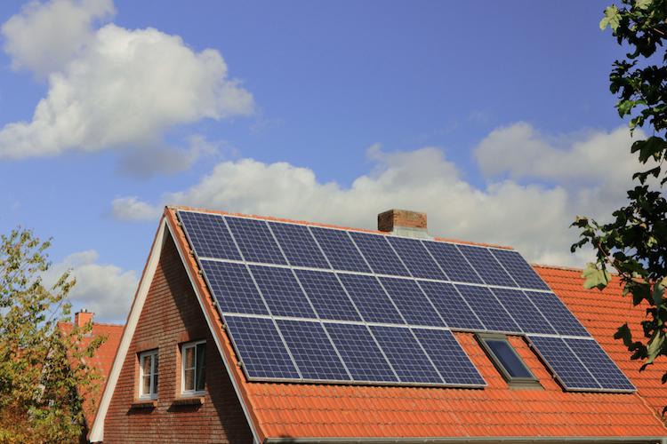Shutterstock 1235319277 in Solar-Emission in Schwierigkeiten
