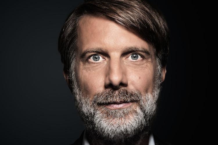 Dr Sven Neubauer in Joint Venture um Deutsche Finance kauft schönsten Pool Amerikas